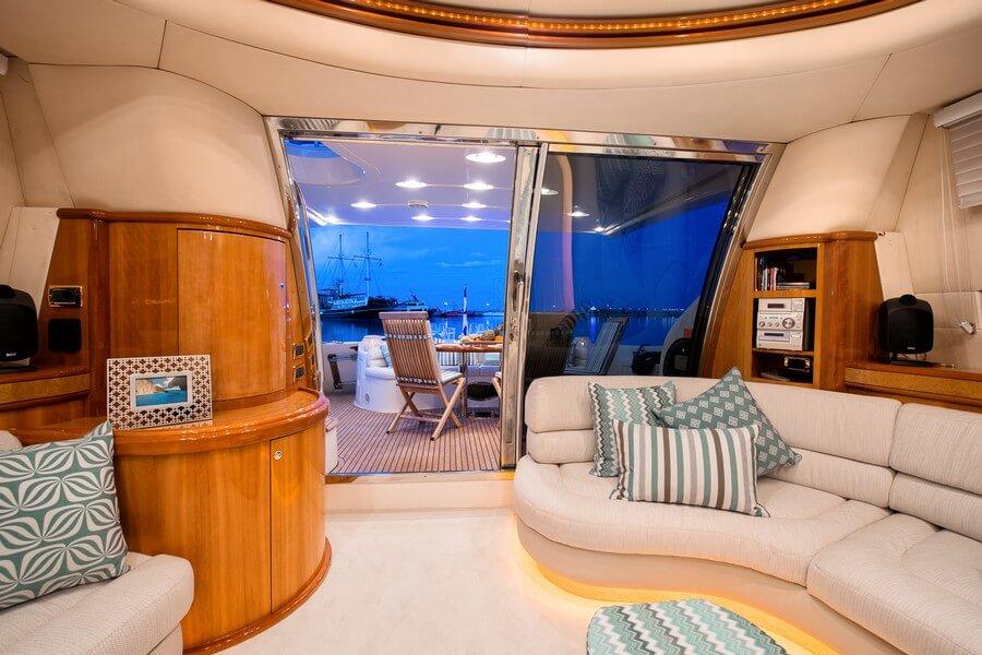 Zakynthos-Cruises-Yacht-Manu-Azimut-58-11