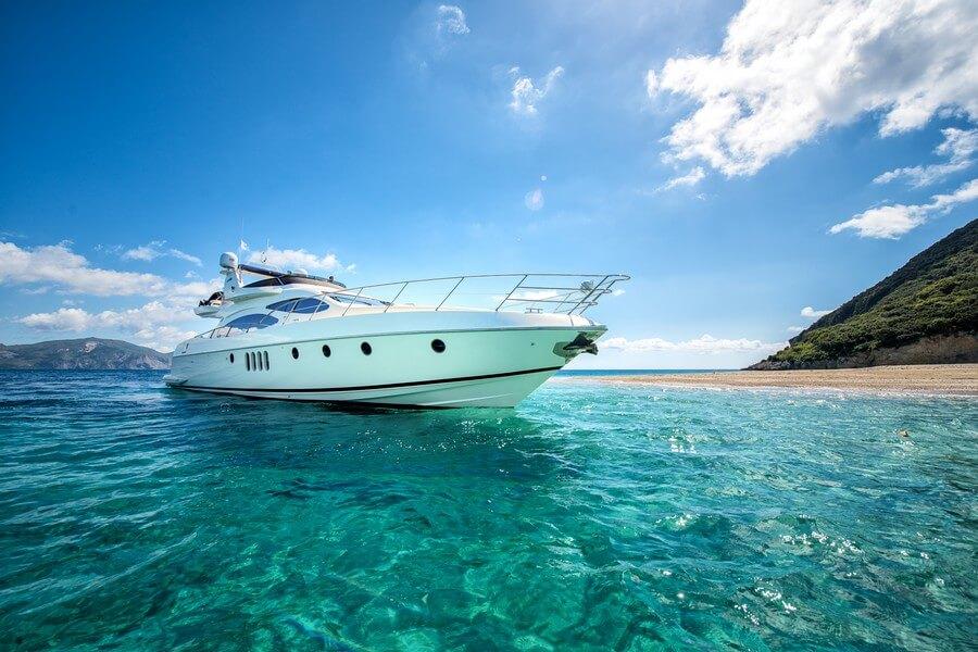Zakynthos-Cruises-Yacht-Manu-Azimut-58-4