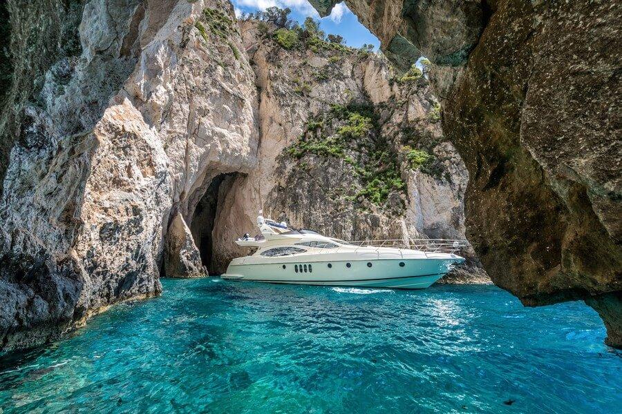 Zakynthos-Cruises-Yacht-Manu-Azimut-58-9