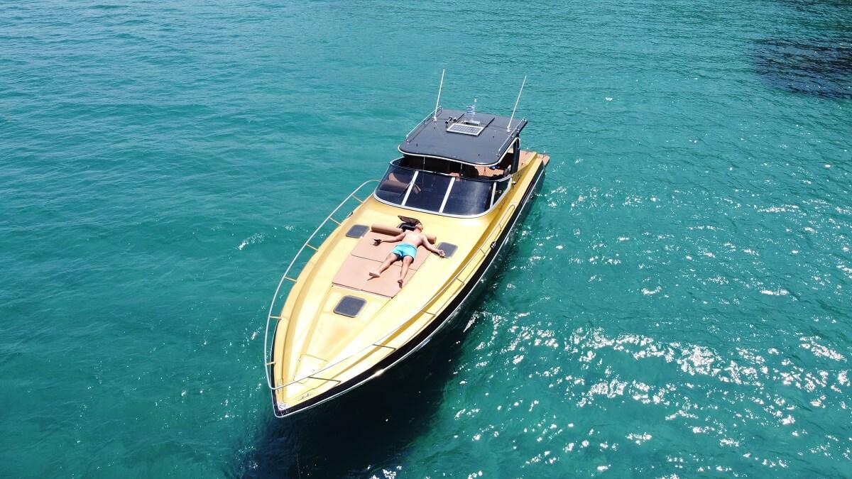 Zakynthos-Luxury-Boat-For-Rent-Pirat-2-pic-1