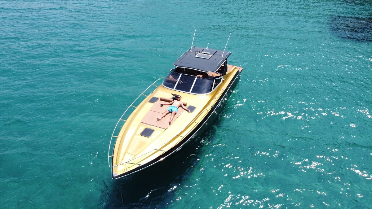 Zakynthos-Luxury-Boat-For-Rent-Pirat-2-pic-3